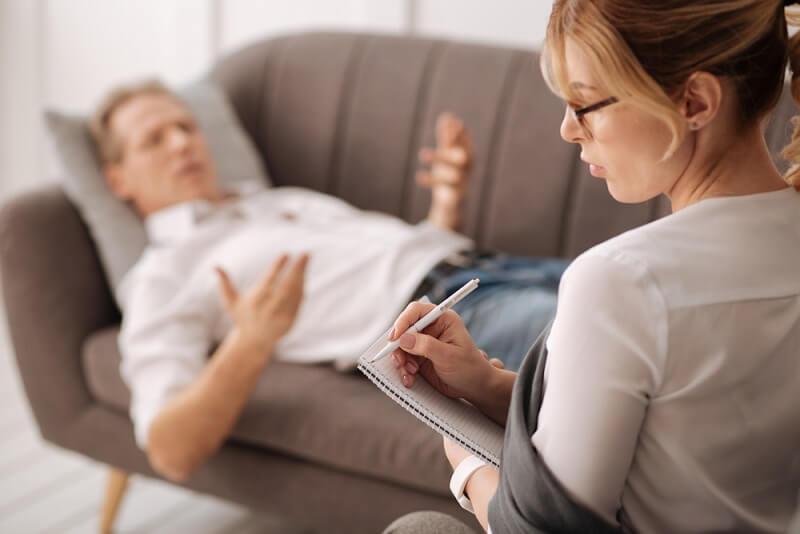 روانشناس یا روانپزشک؟ مشاور یا روانکاو؟