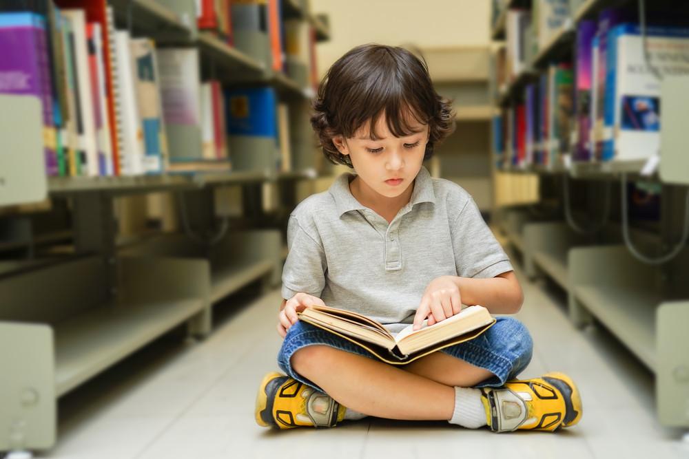 چگونه فرزندانمان را به مطالعه علاقمند کنیم؟