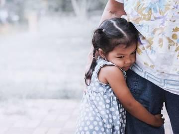نشانه های وابستگی ناسالم در کودک