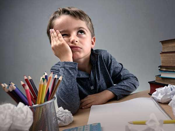 چرا بچهها باید تکالیف درسی را خودشان انجام دهند؟